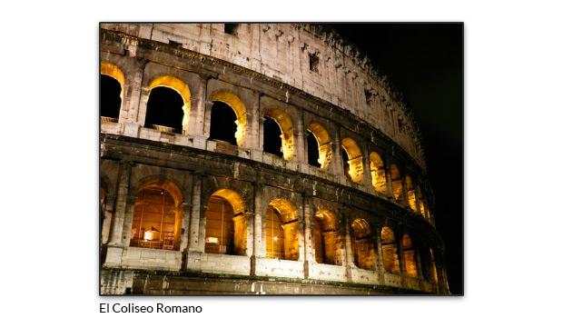 El Coliseo Romano de noche