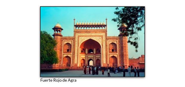 Puerta de entrada principal al recinto Taj Mahal