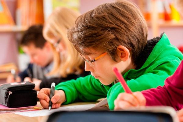 sujetar correctamente el lápiz