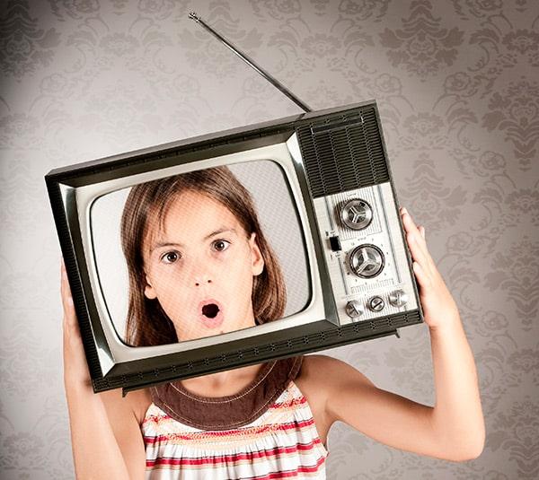 Abusar de la televisión y los dibujos animados puede ser perjudicial para los niños. La utilizaremos como elemento de entretenimiento y aprendizaje.