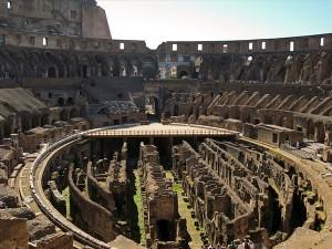 Interior de El Coliseo Romano