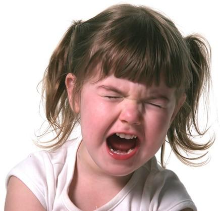 Las peleas entre niños suceden de vez en cuando y los padres deben estar preparados y saber de qué manera reaccionar. Te damos unos consejos.