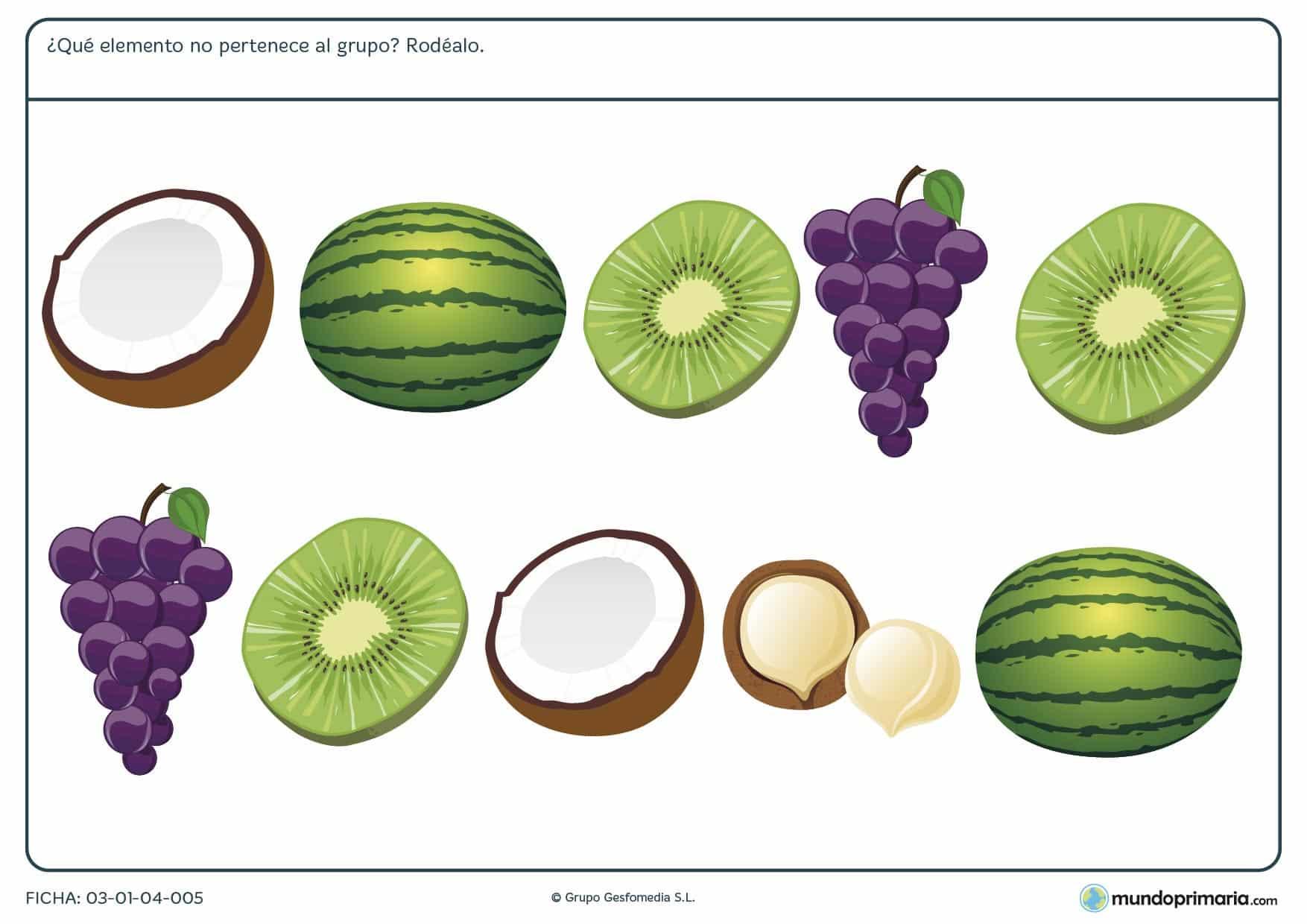 En la ficha de tipos de fruta para niños de 6 a 7 años deben encontrar el elemento que no pertenece al grupo de frutas, ejercicios para primaria