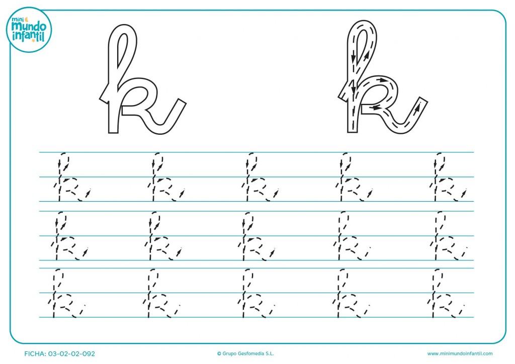 Seguir las líneas de la letra k en minúsculas para estudiarla