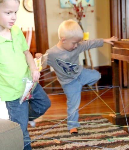 Juego de cuerdas para Halloween