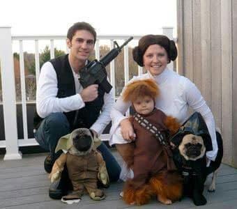 Ninos y padres disfrazados para Halloween