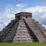 ¿Qué serpiente recorre cada año la pirámide de Kukulkán?