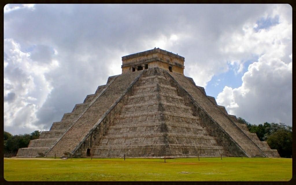 Pirámide de Kukulkán-2