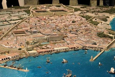 Maqueta que reproduce cómo era la ciudad de Tarraco Acueducto de Segovia