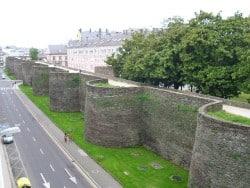 Vista de la Muralla romana de Lugo Acueducto de Segovia