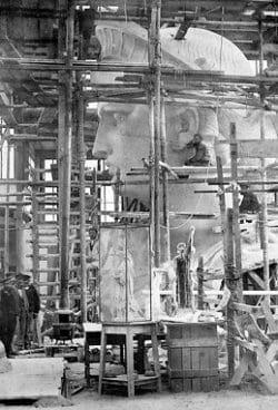 Imagenes de la obra de construcción de la estatua de la libertad