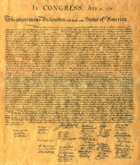 Fotografía de l documento de declaración de independencia de Estados Unidos