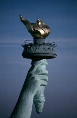 Detalle actual de la antorcha de la estatua de la libertad
